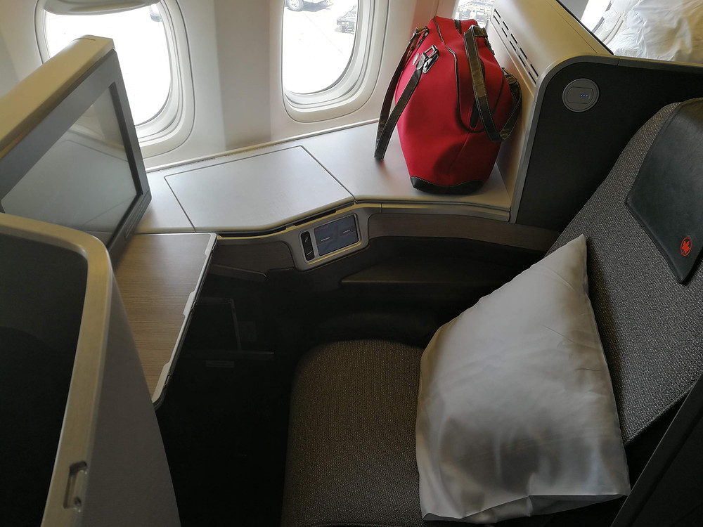 Business Class Lay Flat Bed/Seat on Air Canada