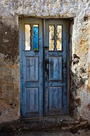 Beautiful door in Santorini, Greece