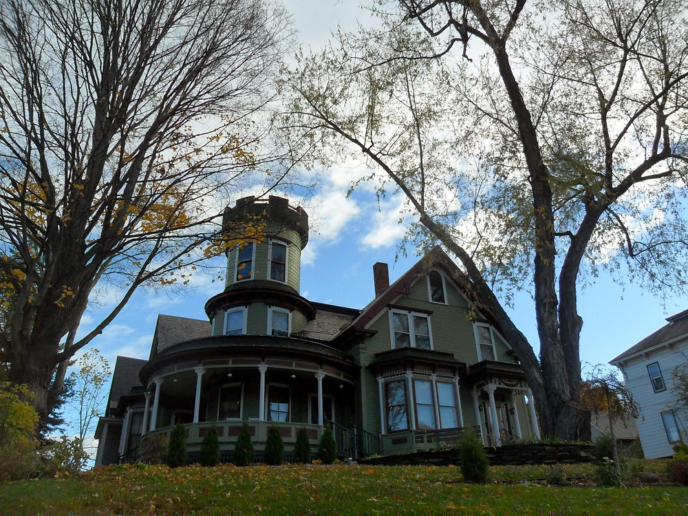 Exterior of the beautiful Maplecroft Bed & Breakfast, Barre, Vermont