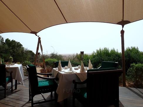 Breakfast in the Dubai Desert