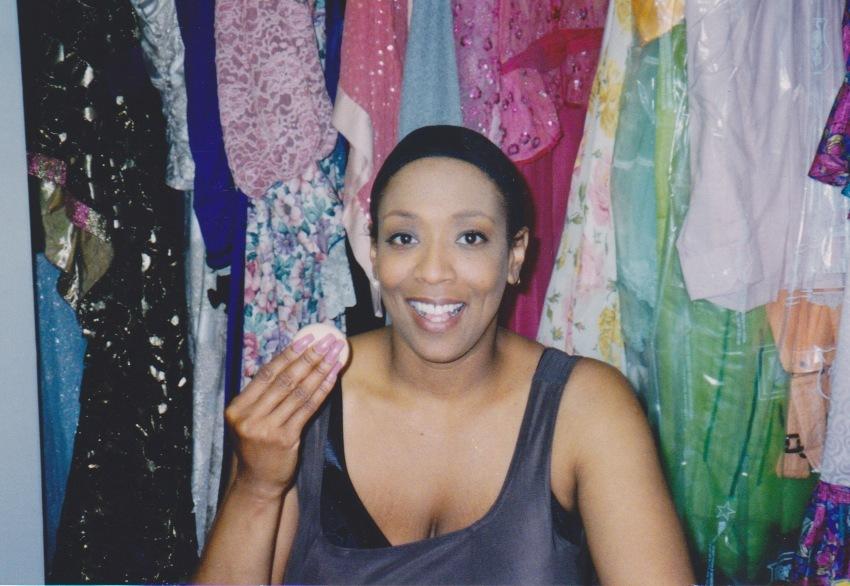 Backstage Faye