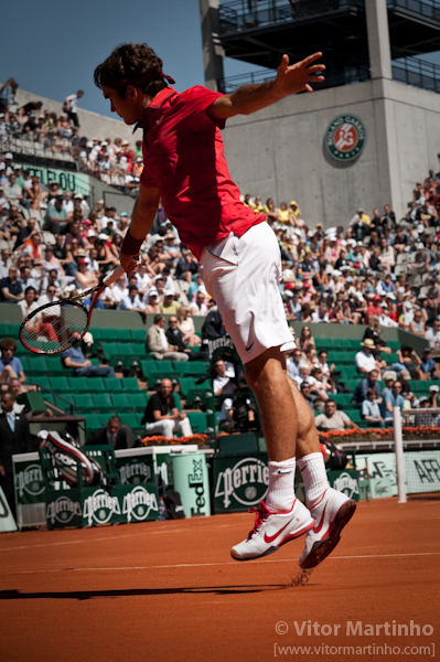 """Federer: Anti-gravitational moment"""