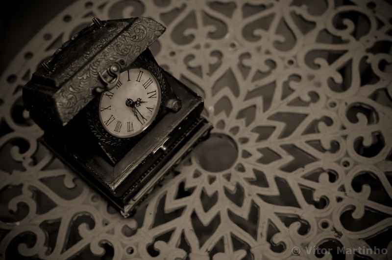 """Vintage clock"""