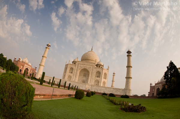 """Taj Mahal fisheyed"""