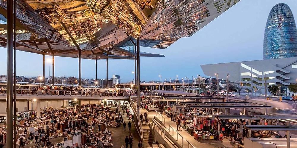 Mercato delle pulci a Glories Barcellona