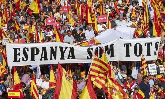 Manifestazione contro l'indipendenza della Catalunya a Barcellona