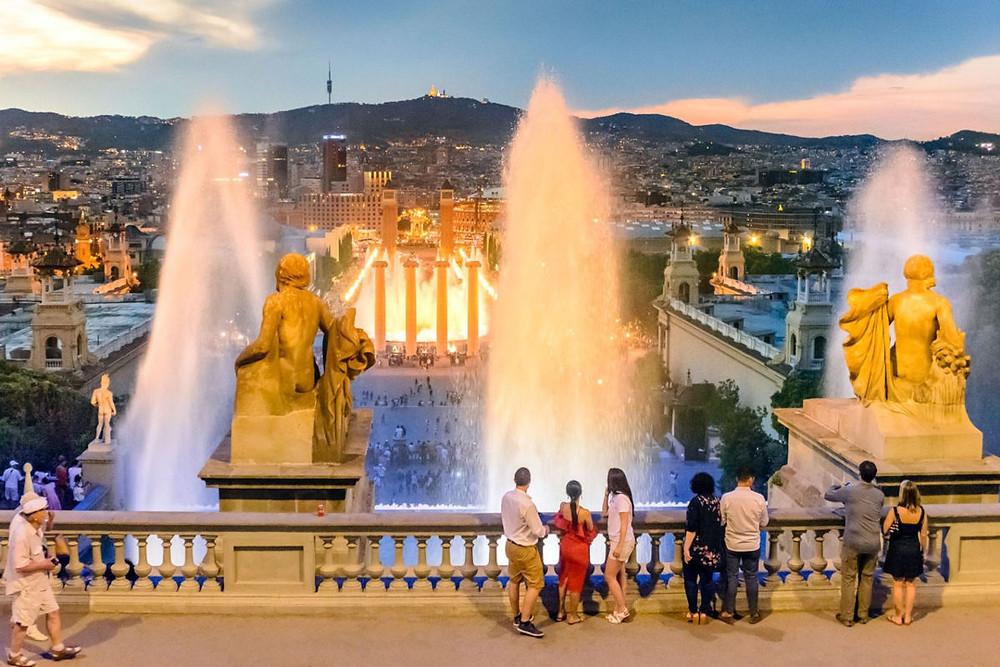 Fontana magica di Barcellona - www.italianiabarcellona.net