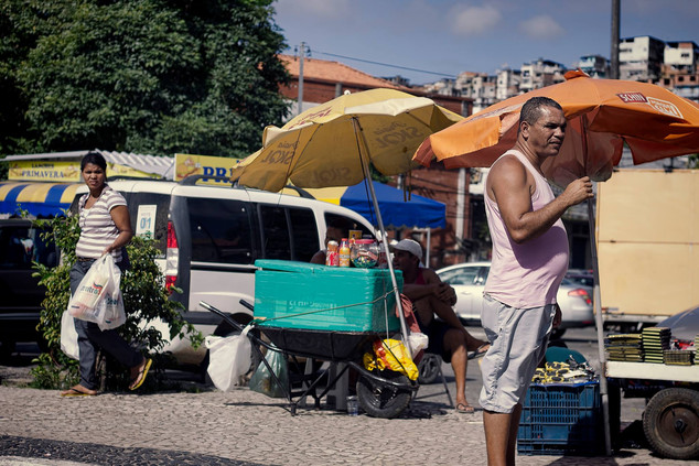 Street vendors brazil.jpg