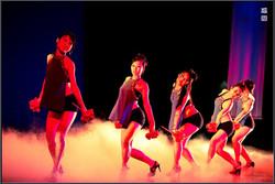 剧场群舞伴舞