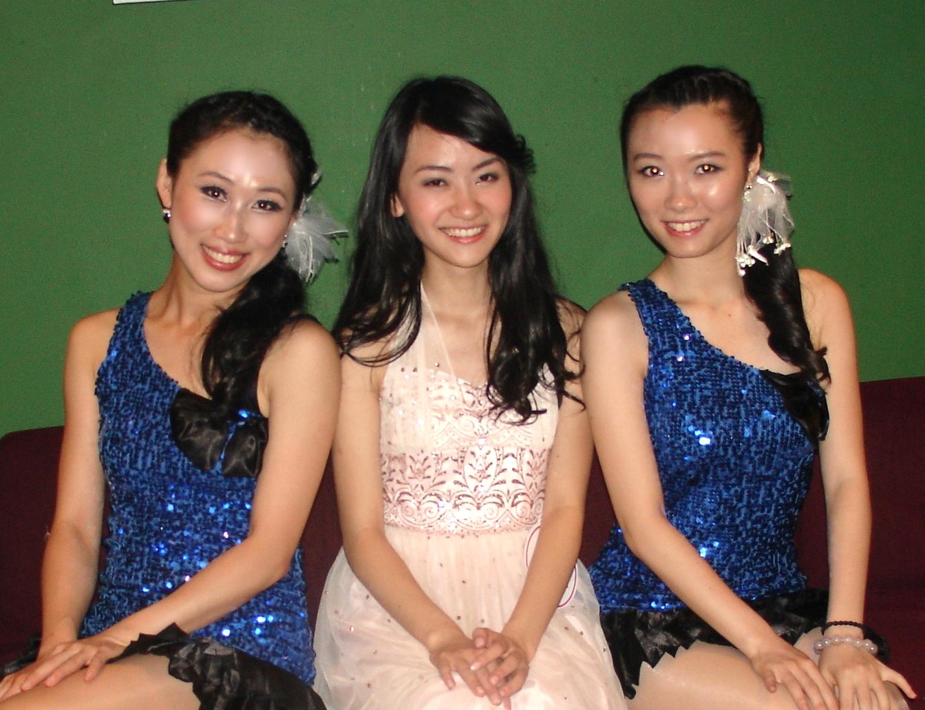 Modern choreography for singer