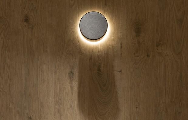 Aura 3 Black escovado com luz