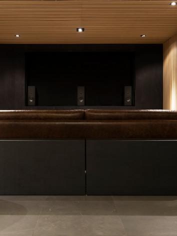 Alto-falante Magna Audio - sala cinematográfica