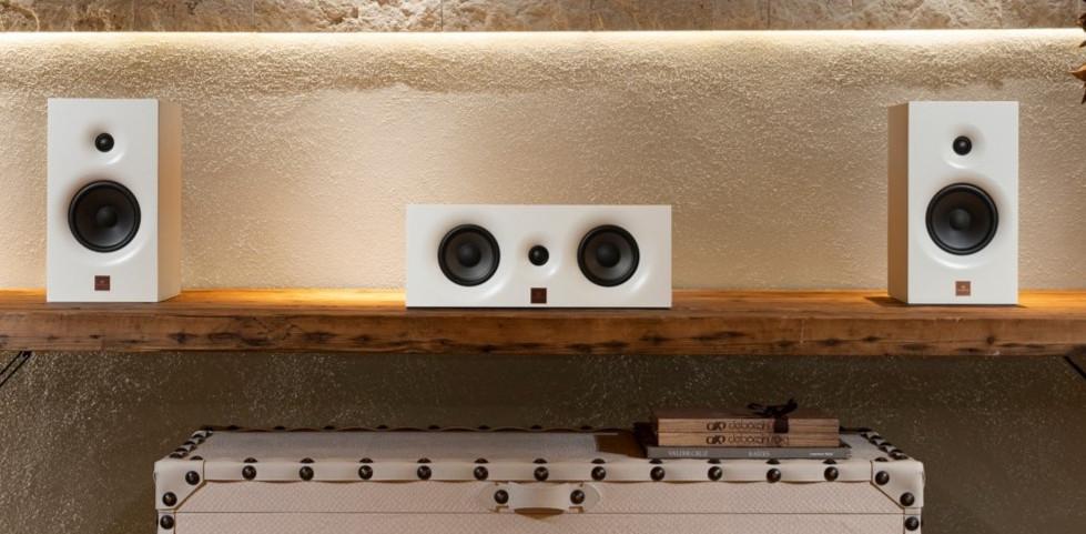 Sistema surround projetado por Magna