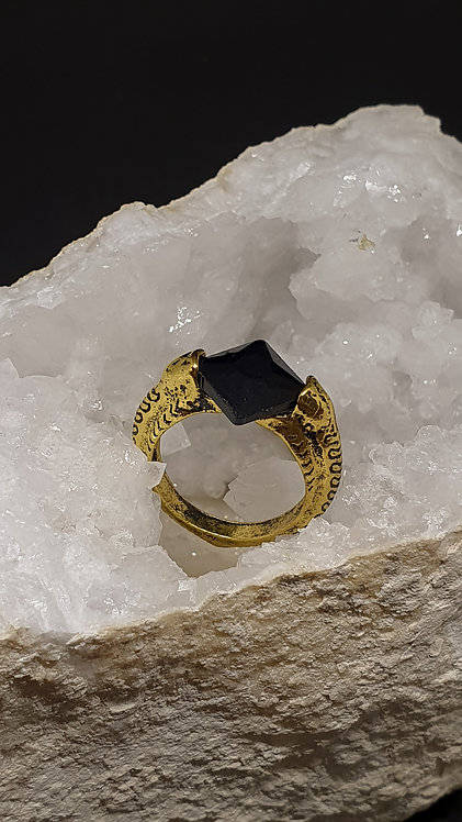 Voldemorts ring, med ressurection stone