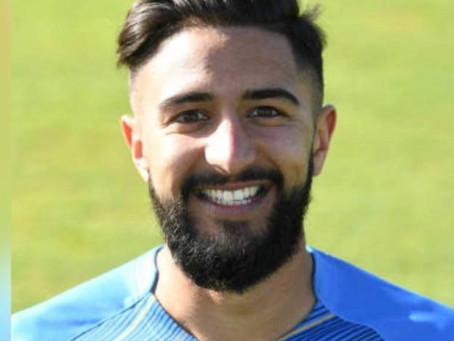 Derbyshire professional signs for 2020