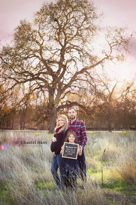 Cute Christmas Maternity Session