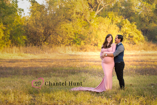 fall maternity portraits yuba city photographer chantel hunt photography pink dress