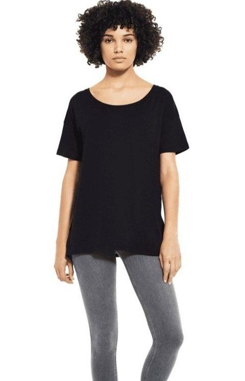 EP46, dame, løs, åpen hals t-skjorte.