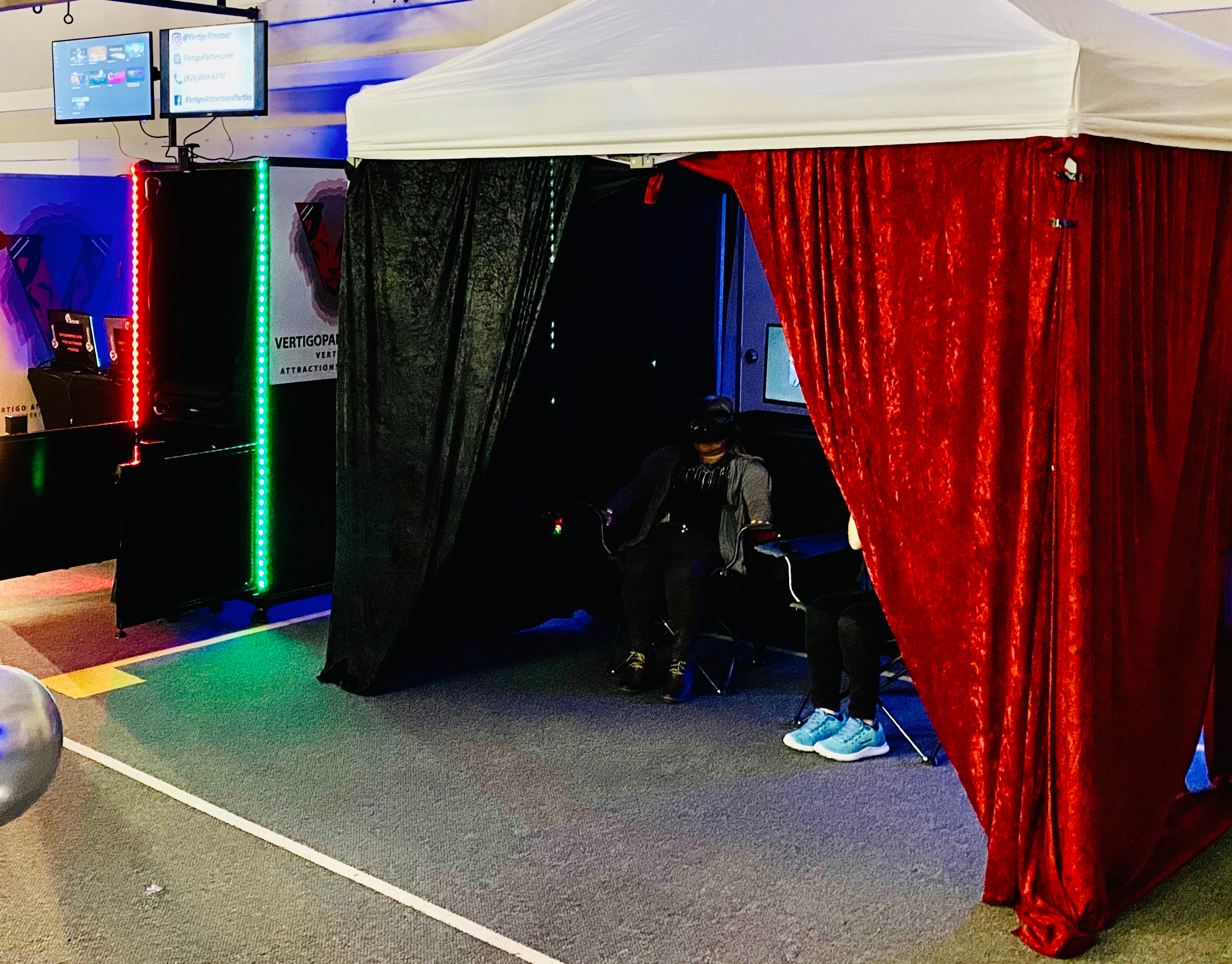 1 VR Mobile Room - Booking $800
