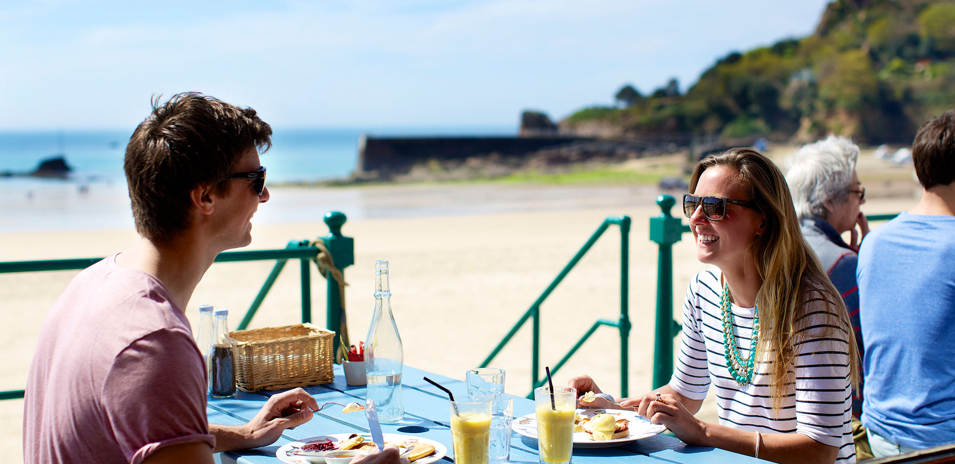 Crab-Shack-St-Brelade-Terrace-View-21.jp