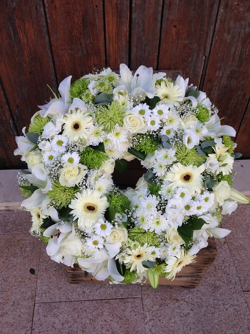 Compact White Wreath