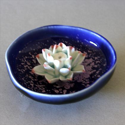 Lotus Flower in Plate, Purple