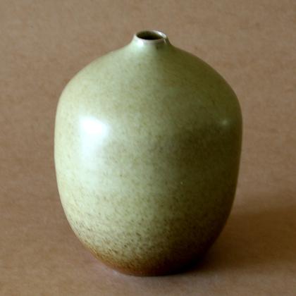 Green Vase 1-Round