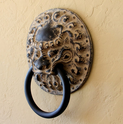 Fu Lion Hanger