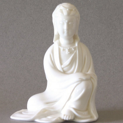 Seated Kwan Yin w/Hood #1 (S)