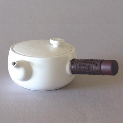 White Sidehandle Tea Pot