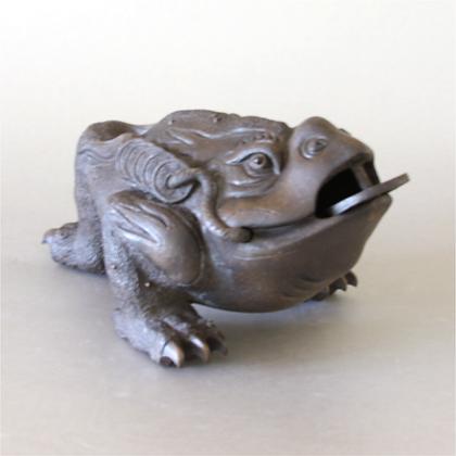 Clay Money Frog (XL)