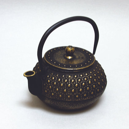 Iron Tea Pot, Dot Pattern, Gold/Black