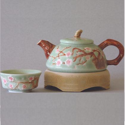Plum Tea Pot and 4 Cups