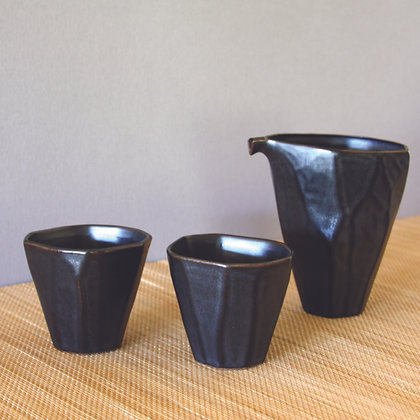 Open Sake Set, 1 Bottle & 2 Cups, Black