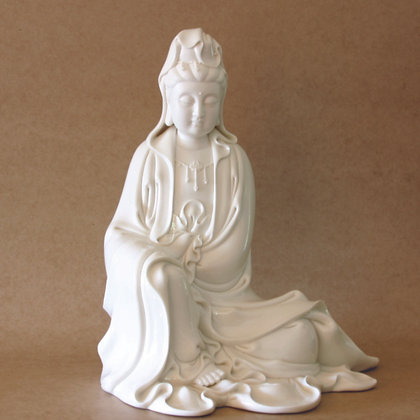 Sitting Kwan Yin (L)