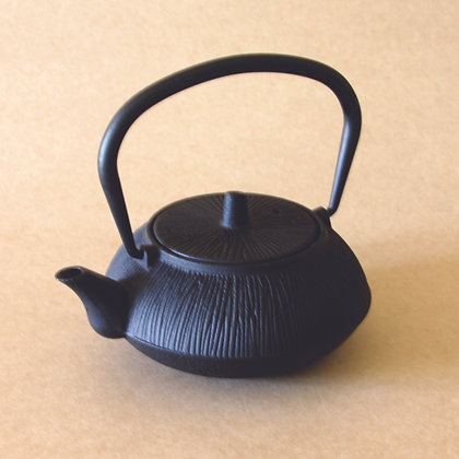 Iron Tea Pot, Line Pattern, Black Finish