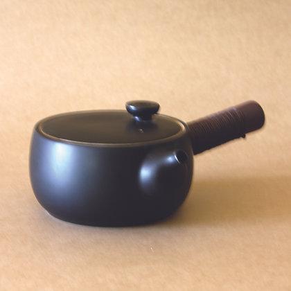 Black Sidehandle Tea Pot