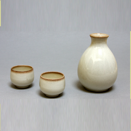 Cream Sake Set (1 Bottle & 2 Cups)