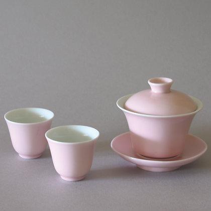 Pink Gaiwan & 2 Cups