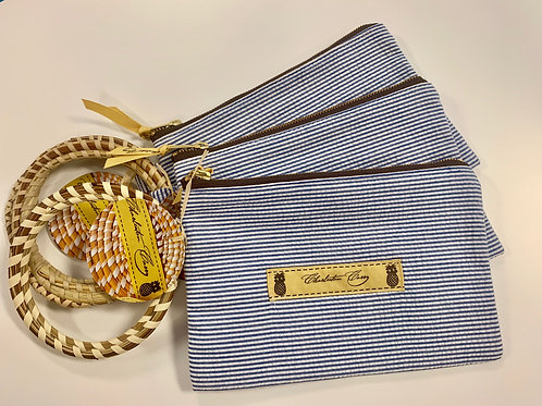 Charleston Carry Seersucker Wristlet
