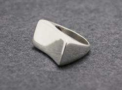 2concave-rectangle-ring-Alvaro-570_425