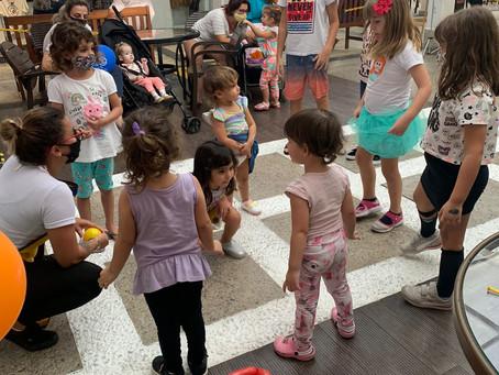 Aqui no Super Centro Boqueirão, mês das crianças continua com muita diversão