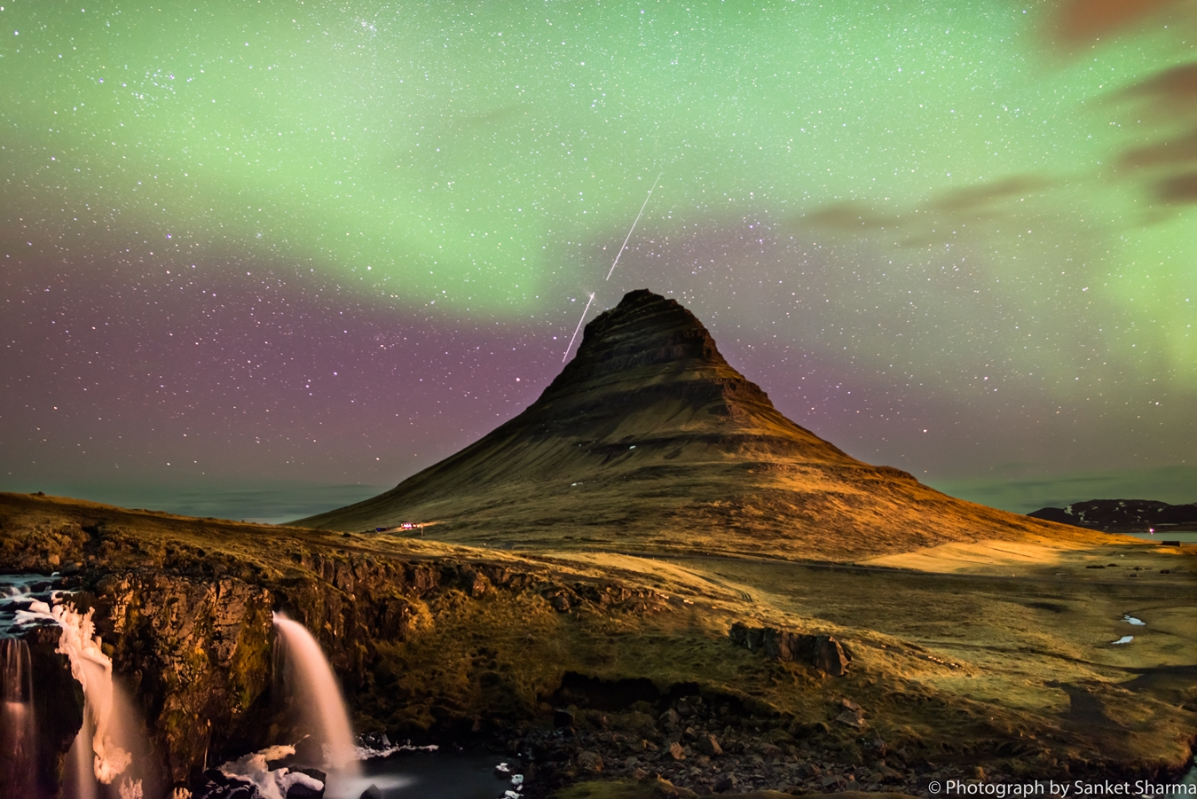 Northern Lights, Kirkjufell, Iceland