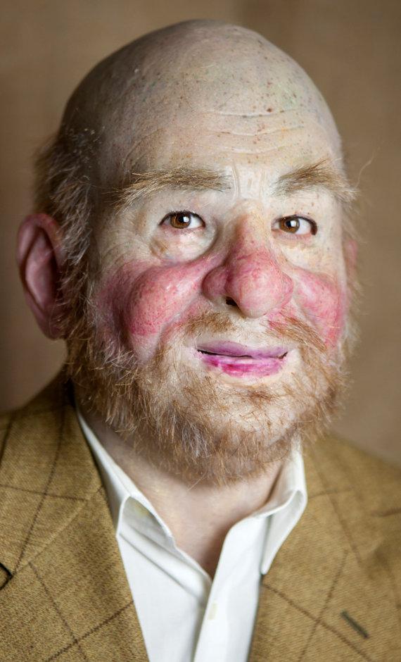 Realistic mask Bertrand