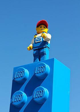123RF_32164274_Lego man-sm.jpg