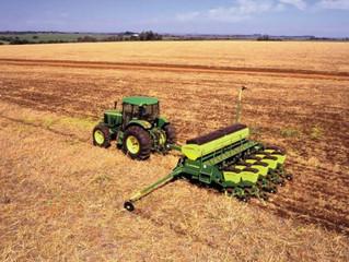 Após semana chuvosa, agricultores intensificam plantio de soja em MS