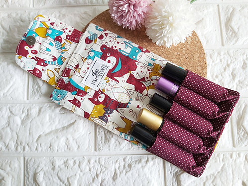 Handmade Fabric Essential Roller Oil Pouch (5 Bottles) : Animal Kingdom Interior