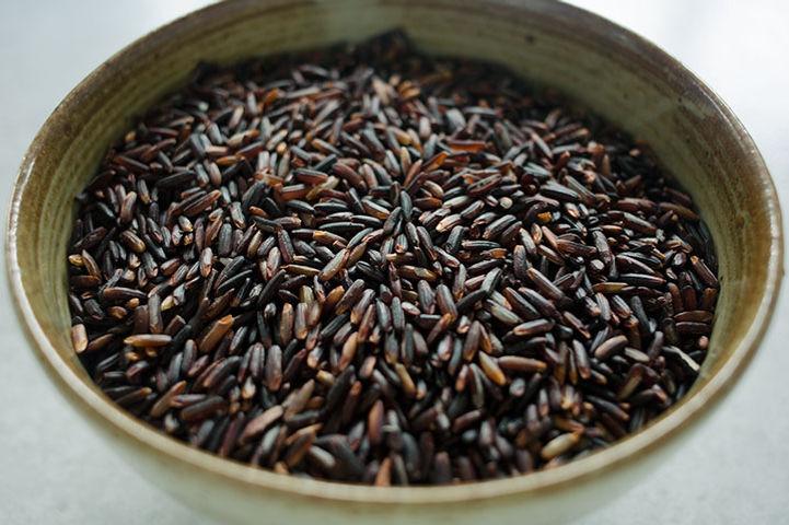 wholesale-organic-thai-black-rice-rebirt