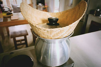 steam-sticky-rice-with-bamboo-basket.jpg