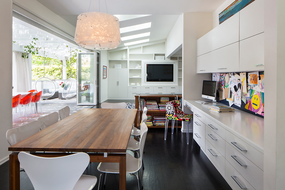 03_hub-of-the-house-by-karen_brentwood_k